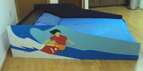 Surfer bed with mattress