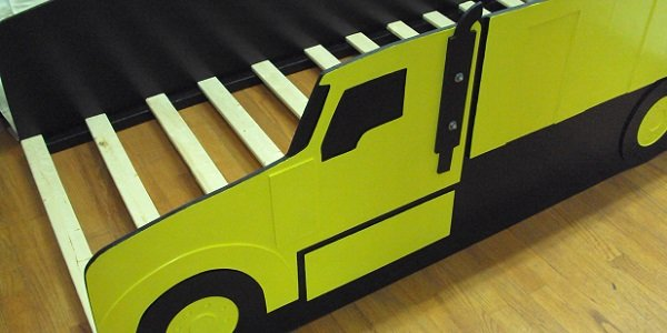 twin yellow truck bed
